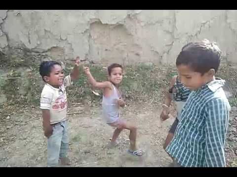 Chote baccho ka Bhojpuri video song money andoli purawa Uttar Pradesh