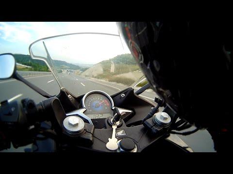 Honda CBR250R vs Yamaha R25         (HD)