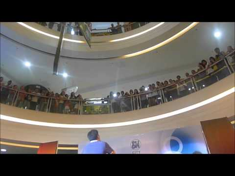 martin nievera sings for jolibee ( sm bacoor mall tour ) Travel Video