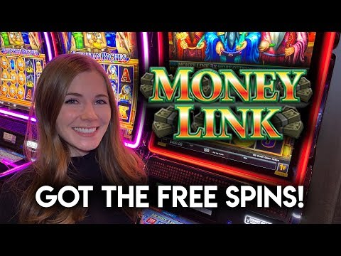 First Time Getting The Free Spins BONUS! Money Link Slot Machine!