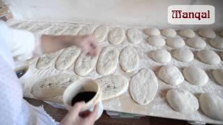 Как пекут хлеб в ресторане «Manqal»
