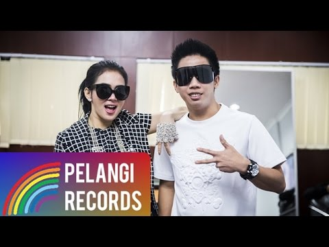 Pop - Syahrini feat. Kevin Bun - Dream Big (Official Lyric Video)