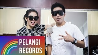 Syahrini feat. Kevin Bun - Dream Big (Official Lyric Video)