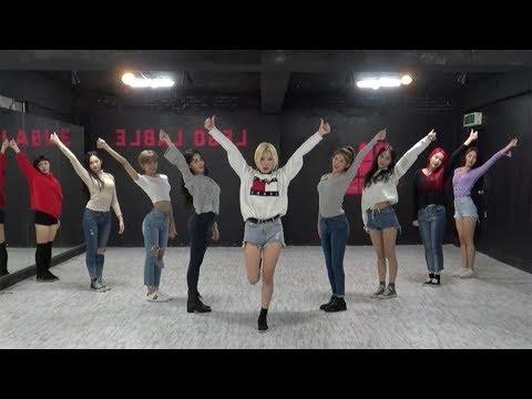 MOMOLAND (모모랜드) - 뿜뿜(BBoom BBoom) Dance Practice (Mirrored) - Ржачные видео приколы
