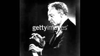 "Artur Rubinstein plays Debussy  ""Poissons d"