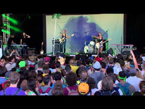 Warpaint - Live At Bonnaroo Music & Arts Festival 15.06.2014 [720p]