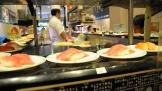 Япония, Токио, ленточный суши-бар на Акихабаре