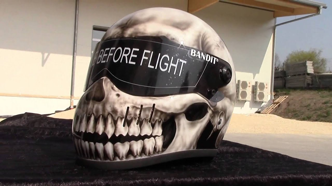 gut airbrush bandit xxr skull design totenkopf fighter helm 2014 youtube. Black Bedroom Furniture Sets. Home Design Ideas