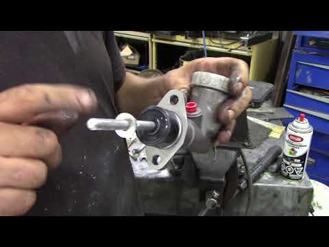 Land Rover clutch master cylinder repair Part 2 Setting up the new cylinder