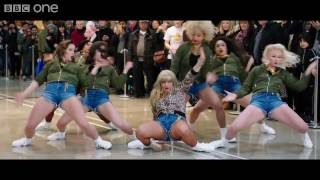 Taylor Swift Flash Mob for Lets Sing and Dance for Comic Relief
