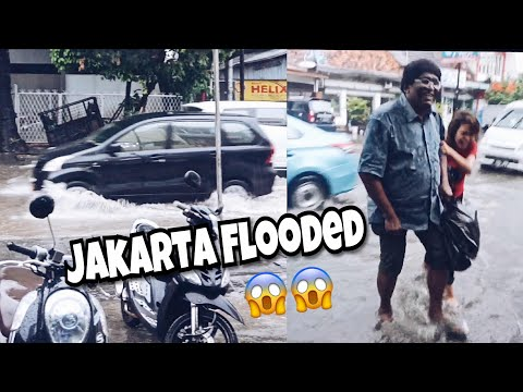 Holiday treat for our INDONESIAN MAID began in Jakarta's Flood Dec 2017// Travel VLOG