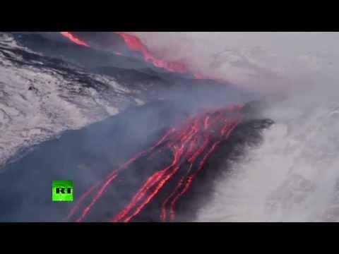 Вулкан Этна вновь дает о себе знать