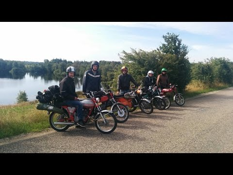 Small Pistons Moped Touring 2015
