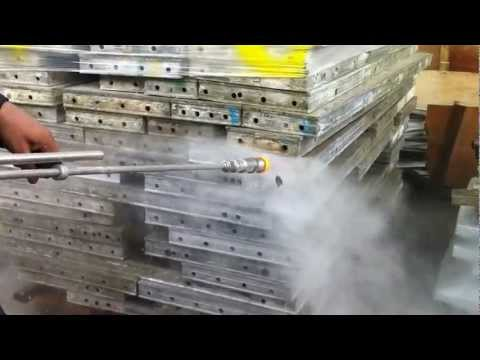 concrete form cleaning machine