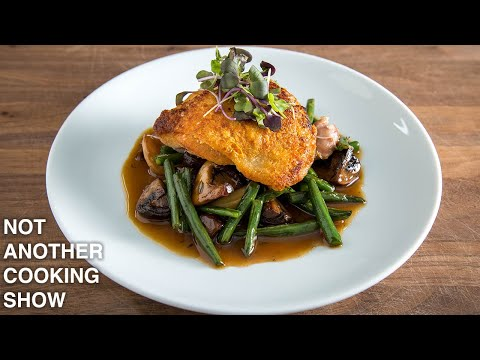 how to make an EASY, ONE PAN ROASTED CHICKEN DINNER recipe