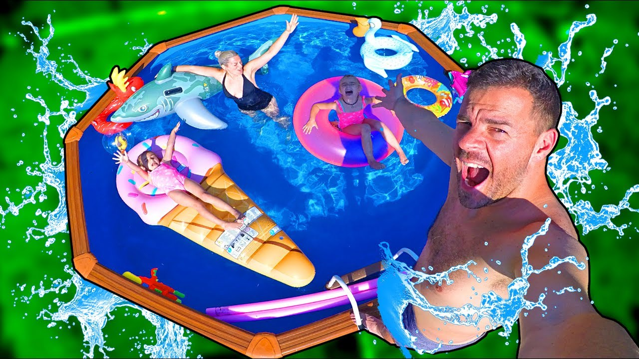Estrenamos la nueva piscina llena de inflables youtube for Piscinas inflables