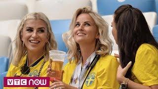 """Dàn WAGs Anh và Thuỵ Điển """"đọ sắc"""" trên khán đài   VTC Now"""