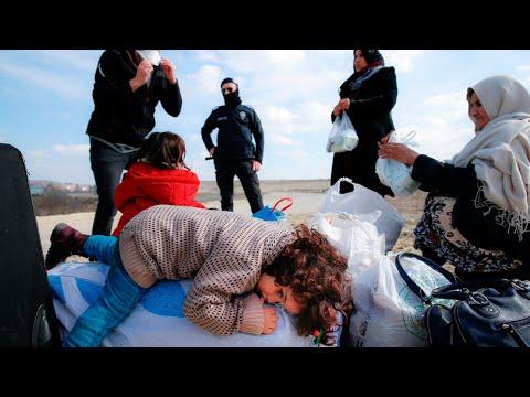 Tensions rise on Turkey Greece border