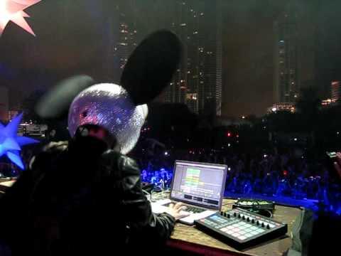 Deadmau5 @ Ultra Music Festival 11 – Day 2 Intro mp3 ke stažení