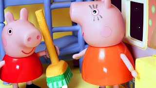 Peppa Pig Makes the Room Messy | Peppa Pig Stop Motion | Peppa Pig Toy Play