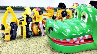 Cars for kids,Toys Cars Go into the crocodile's mouth | Crocodile Attac はたらくくるま ワニさんがすぽすぽ! Gizmone