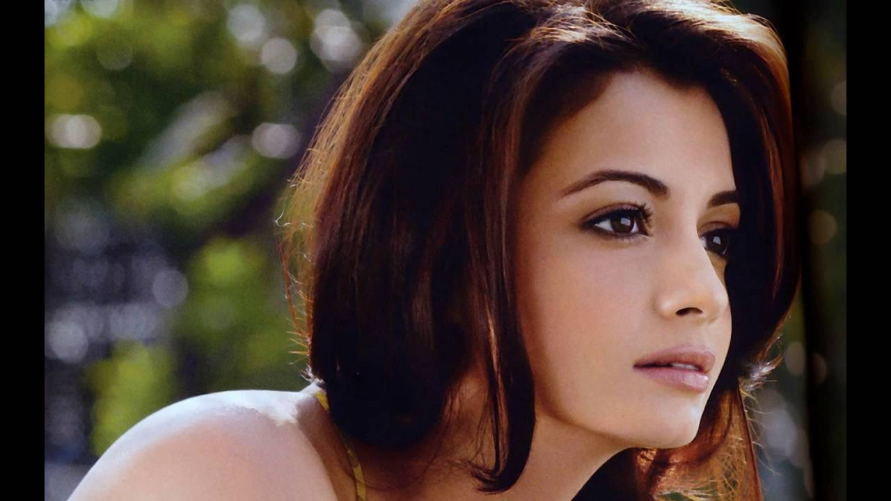 Diya mirza pictures gallery