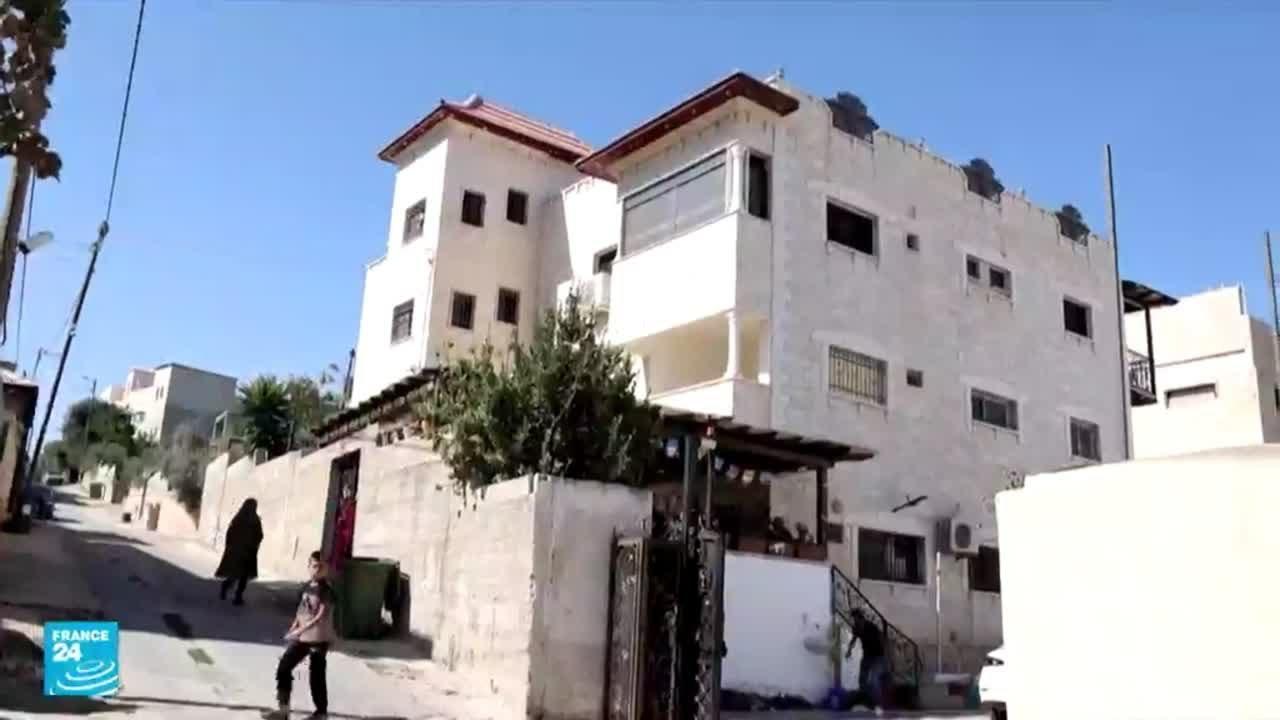 توقيف آخر معتقلين فلسطينيين فارين من سجن جلبوع الإسرائيلي داخل منزل في بلدة جنين  - نشر قبل 12 ساعة