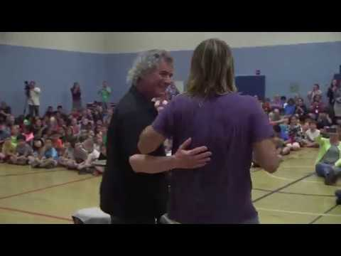 Taylor Hawkins, drummer for the Foo Fighters, Visits Riverside Elementary