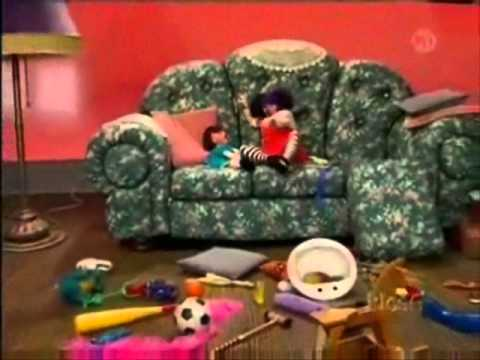 big comfy couch molly 39 s 10 second tidies youtube. Black Bedroom Furniture Sets. Home Design Ideas