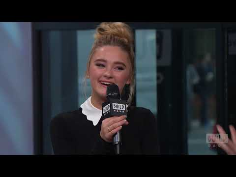 """Lizzy Greene Chats About Nickelodeon's """"Tiny Christmas"""""""
