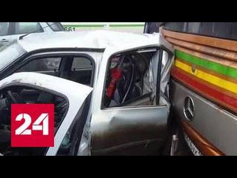 В Москве автобус протаранил шесть легковушек