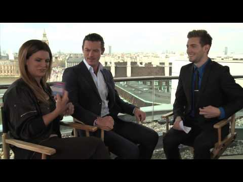 Fast and Furious 6 interview with Gina Carano - Glenn Carano football card!