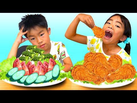 【学校ごっこ】野菜 VS お肉!体に良い食べ物どっち?Kaede and Ahtan Learn to Share Food Vegetables and Fried Chicken for Kids