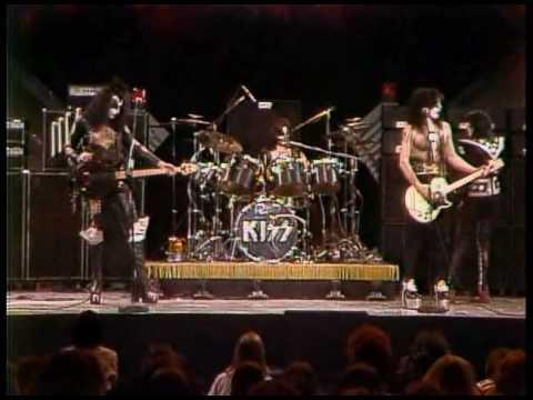 Download Kiss - Black Diamond (Live Midnight Special 1975).avi