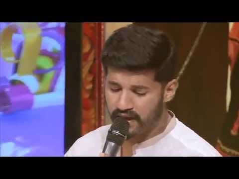 Mix - Vijay yesudas singing malare live