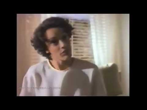 Jennifer Beals in 2000 Malibu Road (ep1&2)