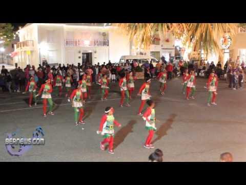 St.George's Dancerettes - St.George's Santa Parade Dec10 2010