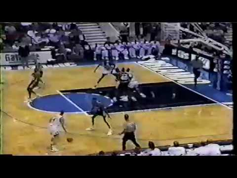 David Robinson (23p/11r/10a) vs Shaq (21p/19r) Highlights -  Spurs@Magic 12/3/1993