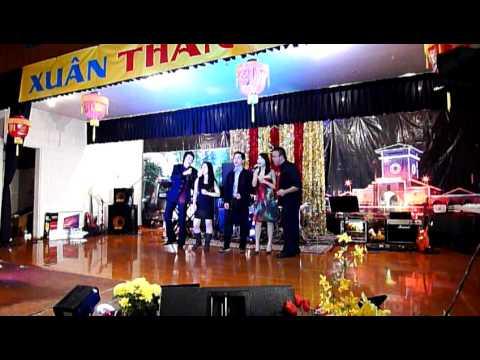 Trường Việt Ngữ Hùng Vương - Khúc Xuân Yêu Đời.