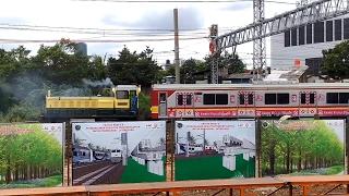 hd unique moment d301 locomotive carrying 10 krl trainset to balai yasa manggarai by mri