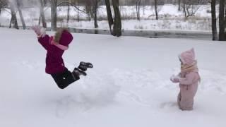 Первый снег замедленная съемка прыжка
