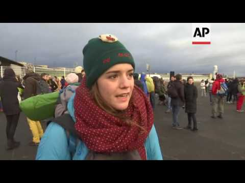 Activists set off on march from Berlin to Aleppo