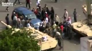 Cairo, esercito vieta a dimostranti pro Mubarak accesso in piazza  (4 febbraio 2011)