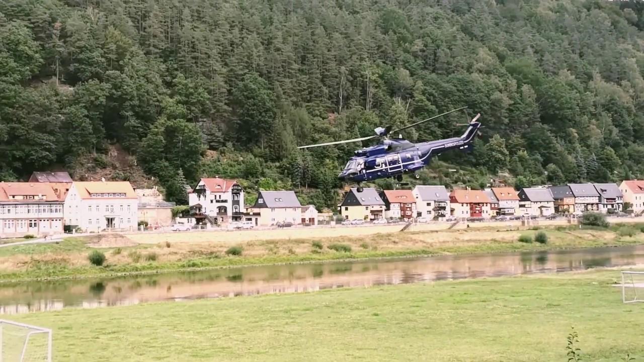 Hubschrauber Super Puma vor der Elbaussicht- Krippen in Bad Schandau