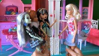 Видео с куклами Монстер Хай серия 7 Клео, Френки, Гулия, Дракулаура, Клодин, Лагуна пришли к Барби(Видео с куклами Монстер Хай серия 7 Клео, Френки, Гулия, Дракулаура, Клодин, Лагуна пришли в гости к Барби..., 2015-08-18T12:14:46.000Z)