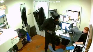Pizza Shop Employee Bravely Escapes Robbery