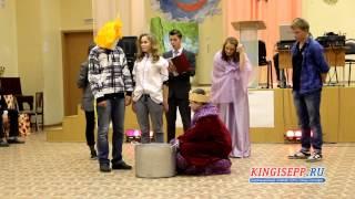 КРАСАВИЦЫ и подтянутые парни на балу в школе № 6 Кингисеппа. KINGISEPP.RU