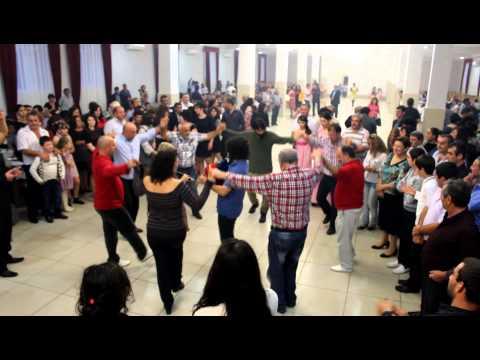 Амшенцы из Турции танцуют на свадьбе  Абхазии