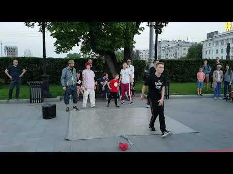 Уличные Танцы на Плотинке Екатеринбурга
