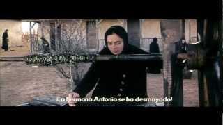 Más allá de las colinas - Trailer español